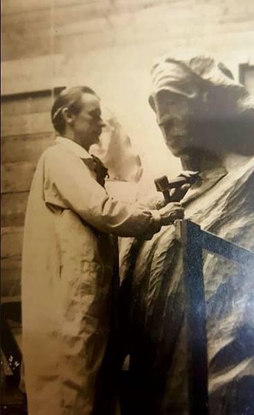 CJA04 1.1-2 Rudolf Steiner working on The Representative of Man.JPG