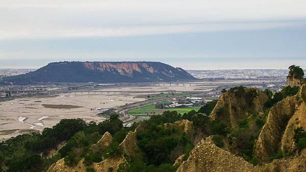 鐵砧山.jpg