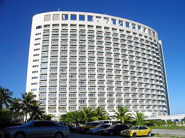 800px-Westin_Resort_Guam.jpg