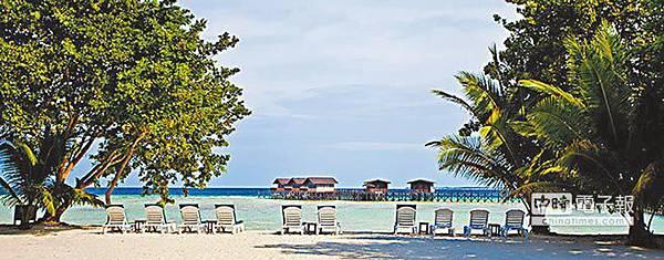 許立民、張安薇夫妻15日在馬來西亞沙巴島的邦邦島(Pom Pom Island)海上度假旅館(見圖)遇劫,造成1死、1被擄