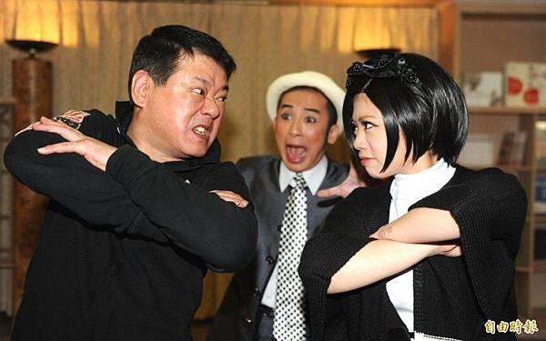 安迪(左)、林吟蔚曾在歌舞劇《浮浪貢開花》同台,父女演父女