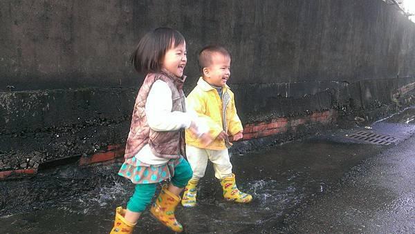 2016下雨天.jpg