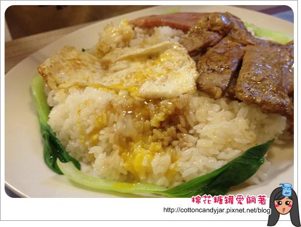 09香港爆漿豬扒餐肉飯.jpg