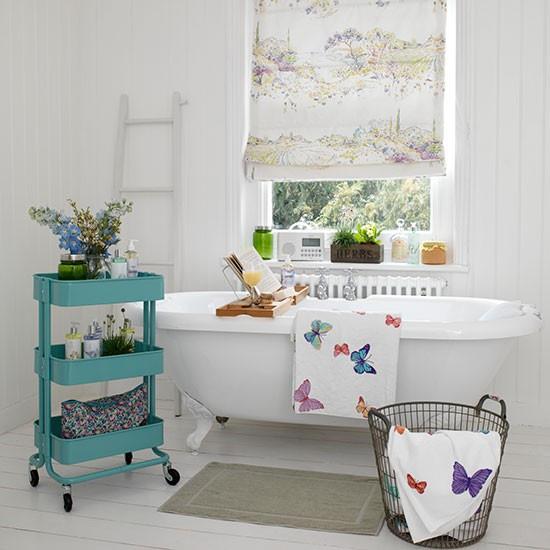White-Cladding-Bathroom-Country-Homes-and-Interiors-Housetohome.jpg