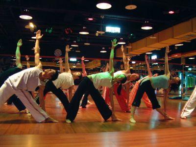 body-balance-stretching-in-class.jpg
