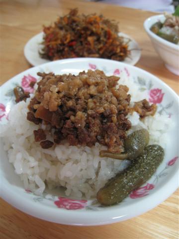 食樂古早味-滷肉飯$25 (小型).JPG