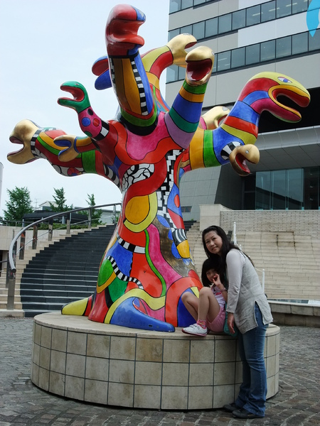 990707京王多摩中心雕塑-2.JPG