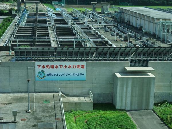990715從JR京葉線看窗外景色-2(污水處理場).JPG