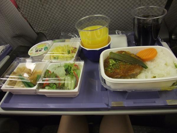990715日本航空經濟艙餐點-1.JPG