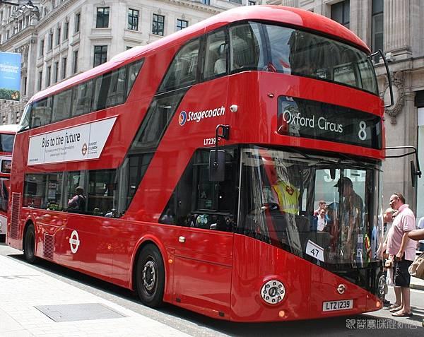 Stagecoach_East_London_bus_LT239_(LTZ_1239),_Regent_Street_Bus_Cavalcade_(1)_(cropped) (1).jpg