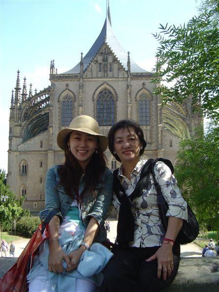 聖芭芭拉教堂的樣子...是個產銀勝地的信仰