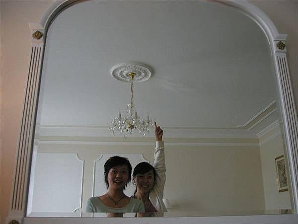 飯店也用水晶燈