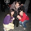 我們每次出遊都會遇到好可愛的狗子ㄟ!還有煙火~~呵