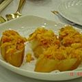 蟹黃蟹膏配銀絲卷