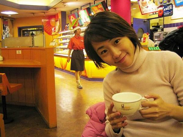 上海也有甜甜圈先生~而且比較便宜~~呵