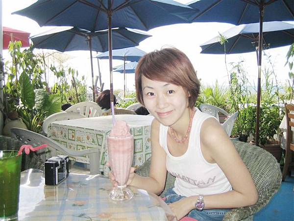 粉紅色的冰沙   是在淺水灣的咖啡屋勒
