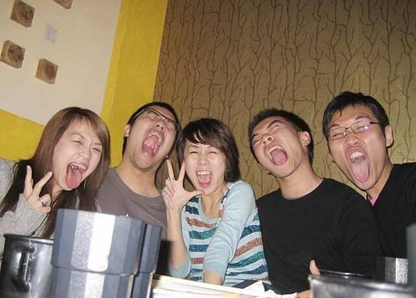 超認真勒!!!阿怎麼有稻中桌球社和抓狂一族的表情出現!哈
