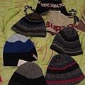 這~~~是一路上小朋友買的超多毛帽