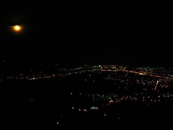 我們住的的太平山 可以看台東的夜景歐   超正