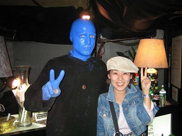 阿結果沒緣分看到的藍人...挖...看到了ㄟ