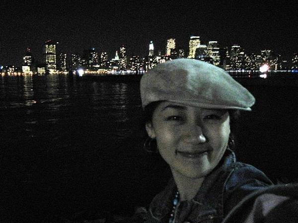 長長海堤邊看夜景