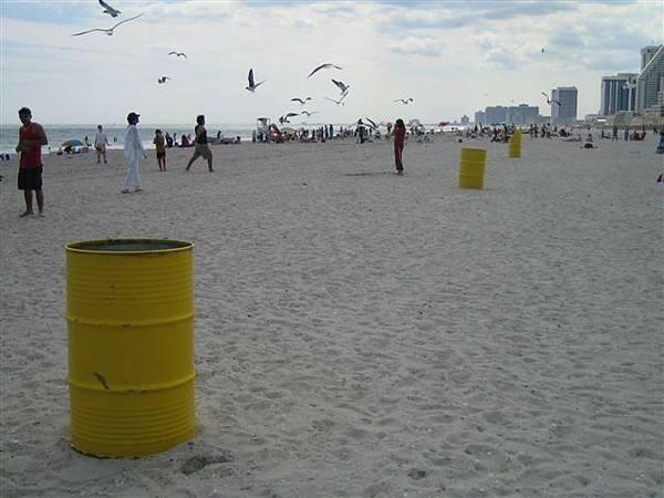 黃黃桶子 這不知道是幹嘛用的