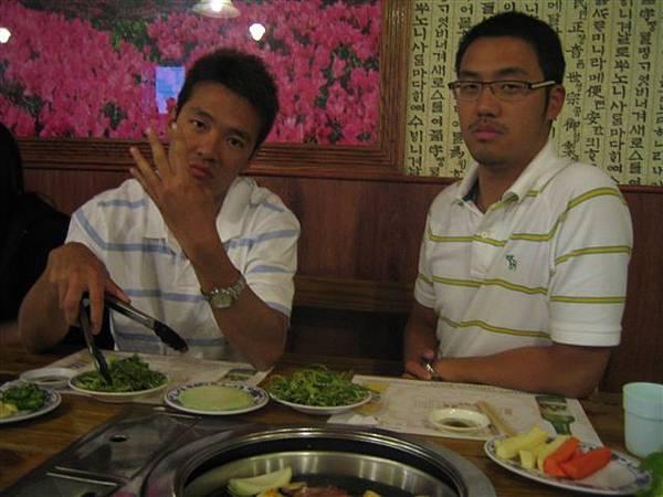 跟軟皮同學聚餐...超好吃的韓國烤肉勒
