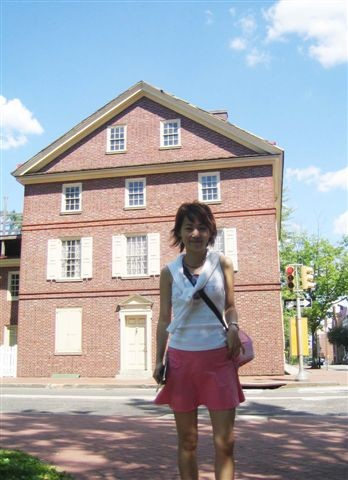 費城OLD CITY的房子大部分都有兩百年左右的歷史說.....