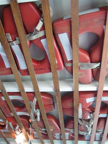 船上的救生衣...阿怎麼稿的像烏魚子勒