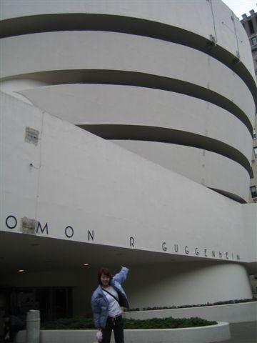 這次三大美術館去到了兩個...沒去的也買了紀念品   哈