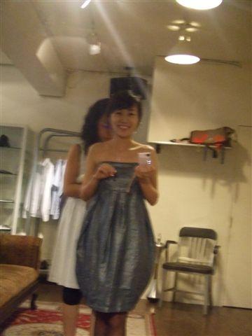 裙子小鬱金香的造型蠻可愛可也怕不對勒