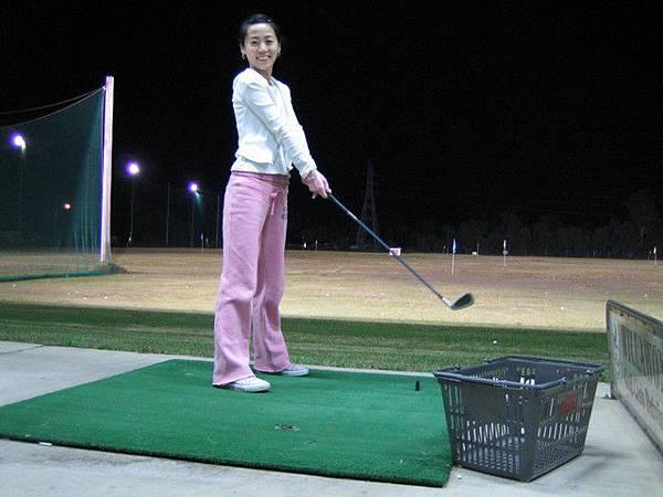 阿就那天打完保齡球~同場加映~再衝個高爾夫!!!