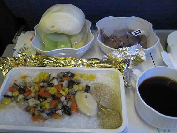 生平第一次吃素食飛機餐啦!!!