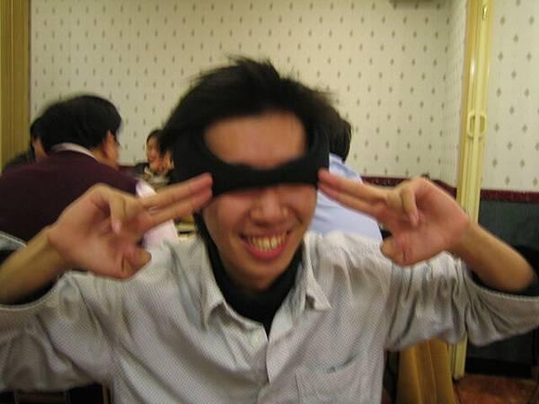 阿呆薛皓以為是耳罩
