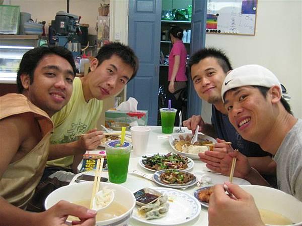 還有新加坡朋友