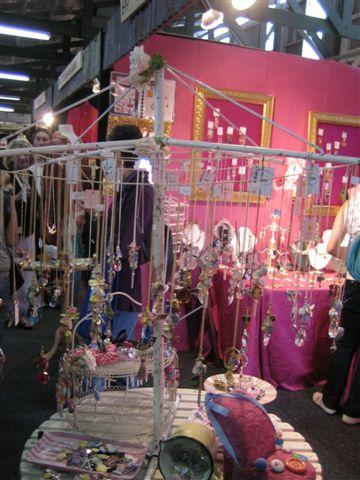 粉紅色的小店~很可愛~但拍照還被罵~~厚