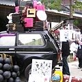 路邊賣貼紙口罩的小車