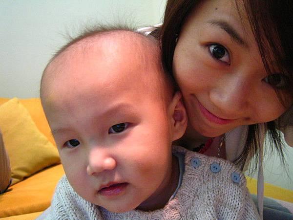 這個小朋友叫阿賢的樣子~~~哈哈哈~超有魄力的名字!!!