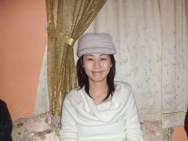 阿兵哥也有毛帽歐~~~哈~阿還是如玉戴好看!!!呵