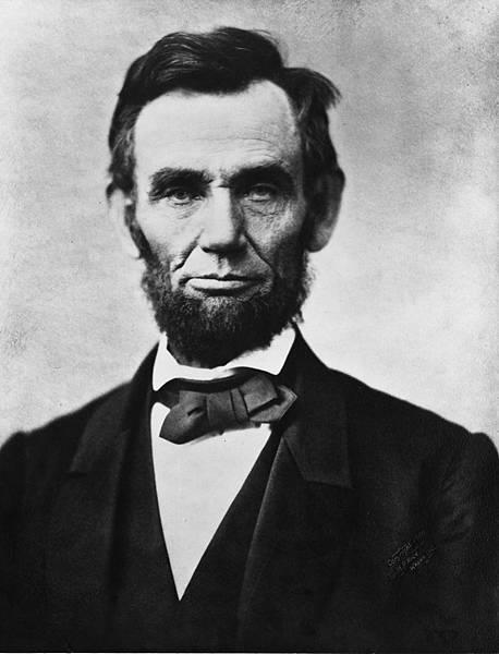 Abraham_Lincoln_head_on_shoulders_photo_portrait_