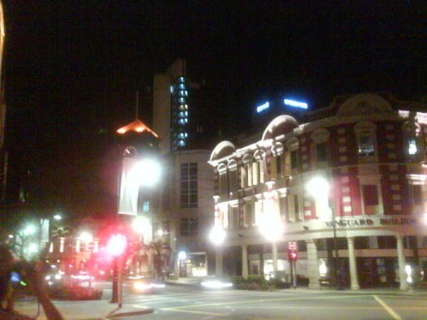 往City Hall站的路上