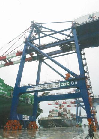 台北港貨櫃中心啟用-4.jpg