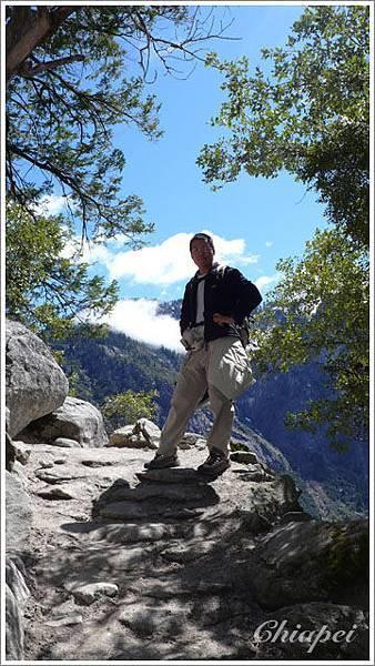 登 Yosemite Upper Fall 步道