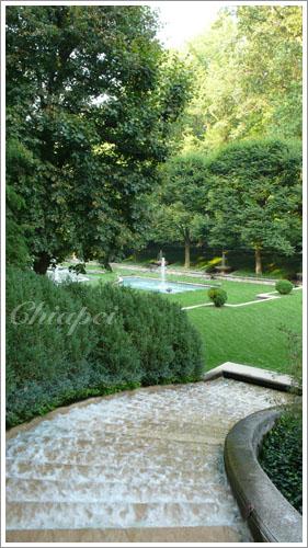 華麗的義大利噴泉,還要弄個水流階梯