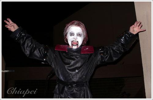 第一位敲門的吸血鬼小朋友