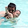 7/7 側划水,讓寶寶習慣側臉進水