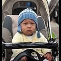 Q寶:爸爸我穿這樣逛街好遜喔...