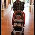 Q寶陪爸媽逛藝廊