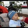 在小公園喝奶