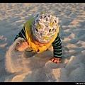 「這裡的沙好軟好細啊!」